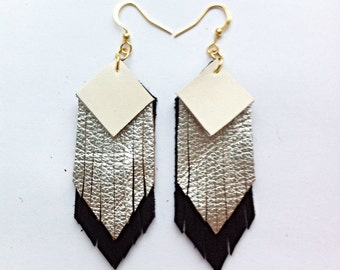 Fringed geometric tassel eco leather earrings, in white, silver and black leather hand-cut layers