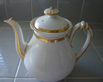 TEAPOT Vintage 1940s Teapot. Elegant White With Gold Accents.French/English Cottage Chic. Country French. Shabby Chic. Teaparty. High Tea