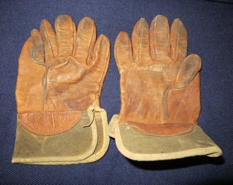 Cute Antique Pair Of Leather Childrens Work Or Garden Gloves