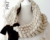 Crochet PATTERN - Instant download: Chunky Square Bow Cowl, Fall / Winter One Infinity Loop