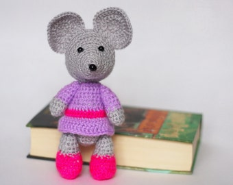 Crochet Amigurumi Mouse Plush / Stuffed Animal Knit Toy