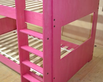 Mid bunk bed in pink