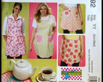 McCall's M6092  Aprons, Trieits And Mitt