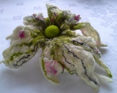 Felt Brooch, Green CreamFlower, Wool Felt Jewelry, Green Flower Brooch, Felt Flower Pin, Green Pin, Wool Brooch, Gift, Handmade