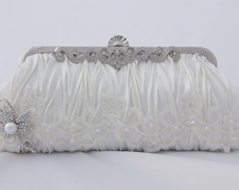 Lace Bridal Clutch, Pearl Bridal Handbag, Ivory Wedding Purse, Pearl, Lace, and Crystal Brooch Bridal Clutch, Ivory Clutch, Ivory Bridal Bag