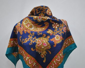 Vintage PRINTED SILK scarf...(808)