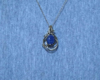 Necklace,Tanzanite Oval Cabochon and 14ky gold-filled Wirewrap