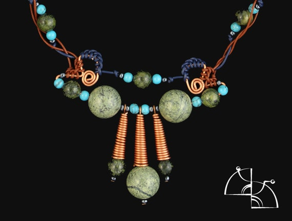 The Mystery of the Aztecs. Jewelry Set. Unusual necklace and earrings. Natural stones serpentine and turquoise.