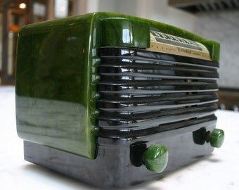 Vintage 1947 Bendix Swirled Green Catalin AM tube Radio w Bluetooth // Stream your music