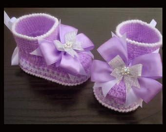 Lavander Crocheted Baby Booties with bows .Knit Crochet Booties.Crochet shoes.