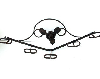 Antique french black cast iron coat rack. 5 hooks. Art Deco period. Rose. mural coat rack. Hat rack. French shabby chic decor