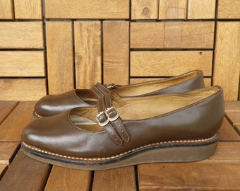 Vintage Lady's Brown Leather Flat Mary Jane Shoes With Double Side Buckles Straps Size EUR 36 US W 6