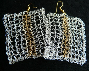 Wire jewellery /// Crochet earrings made with gold and silver plated wire ///