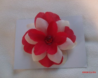 Red & Off White Flower Pin