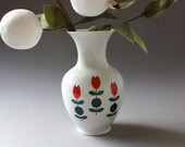 Small vintage vase porcelain / flower decoration / home accessory / Creidlitz Germany / 60s 70s / gift / white red blue