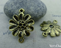 20 pcs of Antique Gold Daisy Flower Connector Charms 18x24mm A1831