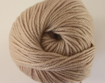 SALE*** Staples 8ply / DK - 546 White Tea 100g  - 100% Merino - 177m/100gm