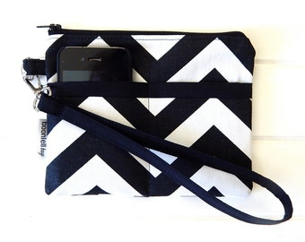 Wristlet Pouch Purse Handmade with Black and White Chevron Fabric, Zippered Pouch, Fabric Pouch, Zig zag fabric pouch