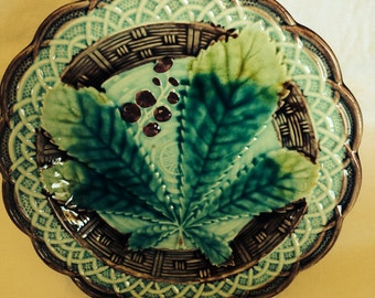 """Majolica Antique Majolica 8"""" Chestnut Leaf Plate Turquoise and Green 1800's"""