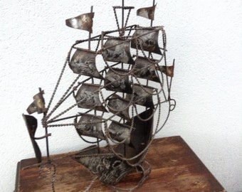 Vintage,metal,sailing ship sculpture,black,bronze,gray,home decor,patina,standing,twisted iron,wire,pirate ship,large,art,artistic design