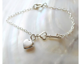 sterling silver bracelet with key and heart charm • beaucoup de beads • B157
