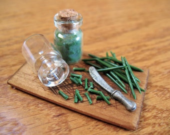 Handmade Miniature Cutting Board With Green Beans, Miniature Vegetables, Farm Miniatures, Rustic Miniatures, Miniature Food, Green Beans
