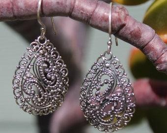 Sterling Silver Earrings, dangle earrings, Light weight earrings RJEA0120