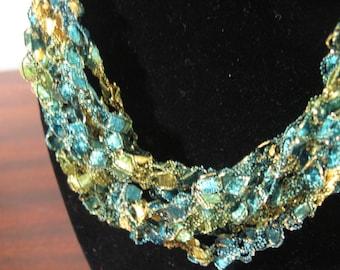 Trellis Necklace / Crochet Necklace Item No. M2