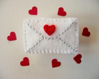 Felt Envelope Brooch Pin, Love Letter Brooch Pin, Valentine Brooch, Romantic Pin, Valentine Jewelry, Felt Jewelry, Felt Heart, Lapel Pin