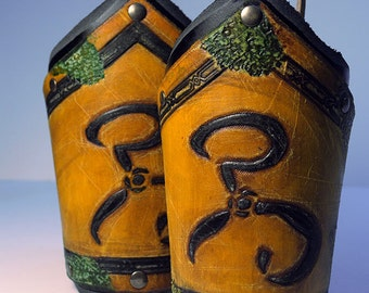 Small bracers with the King in Yellow symbol, Cthulhu
