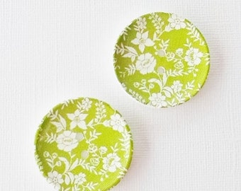 2 x 40mm green and white floral patterned wooden buttons
