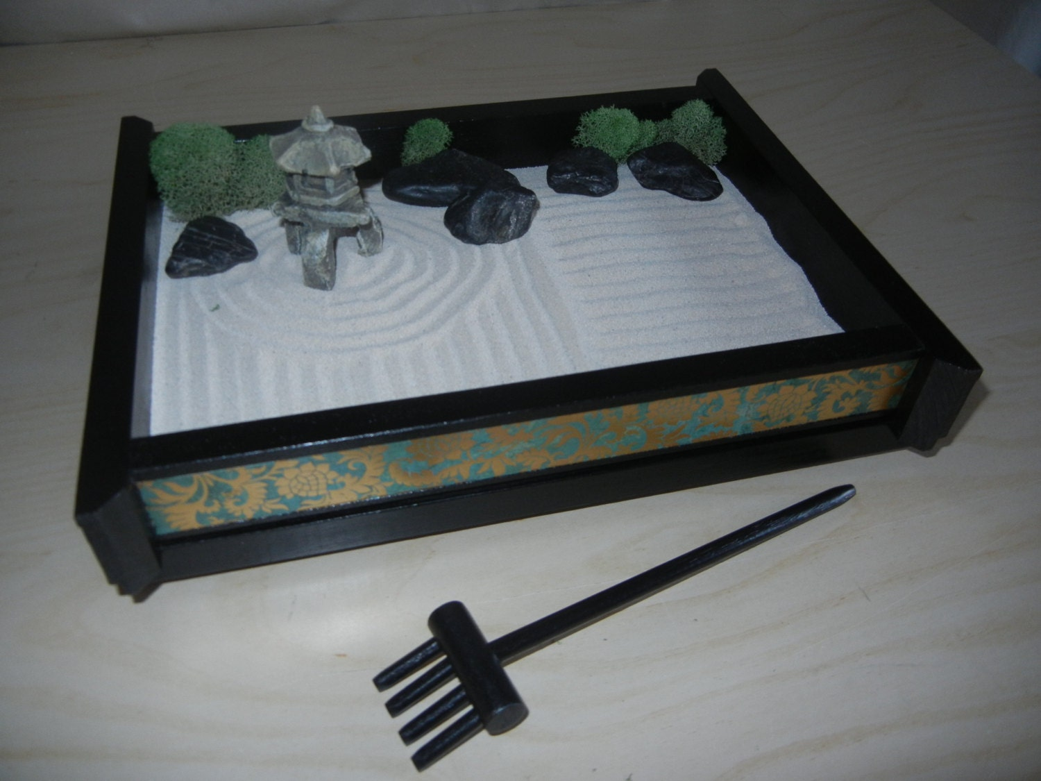 S05 small desk or table top zen garden with asian deco print for Table zen garden