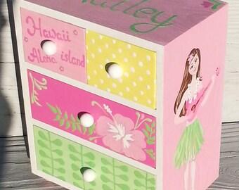 personalized,  hawaiian  girl jewelry box, shades of pink jewelry box, birthday gift, flower girl gift, bridesmaid gift