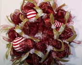 Classic Burgandy and White and Gold Christmas Wreath, Burgandy Bird and Ornament Wreath, Dark Red Wreath with Gold