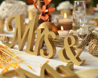 Gold Glitter Mr. & Mrs. letters wedding table decoration, freestanding Mr and Mrs signs for sweetheart table