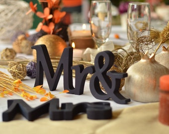Mr & Mrs Wedding table sign- Mr and Mrs Wedding Signs for Sweetheart Table, Bride and Groom top table decoration