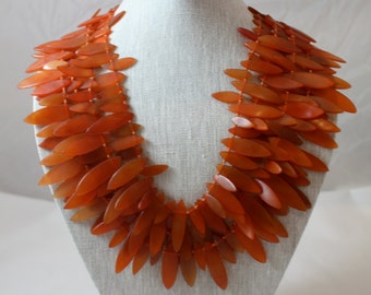 Hollywood vintage resin necklace