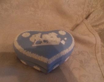 Wedgewood White On Blue Japaneeseware Heart Covered Trinket Box