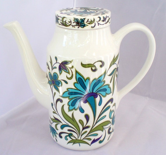 Coffee Pot Meaning In Spanish : Midwinter Coffee Pot and Sugar Bowl Spanish Garden by PipkinandMe