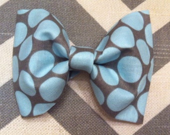 Baby boy bow tie-gray and baby blue polka dot-clip-on-newborn-infant-toddler