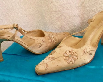 "Exquisite cream satin strappy shoes Size 4 ""Barretts ""Label. Embroidered detailing& beadwork. low heels."