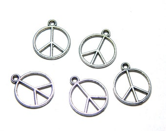 6 Silver Peace Sign Charms, Antique Silver Peace Charms, Peace Pendant, Hippie Charms, Peace Sign Pendant A-035A