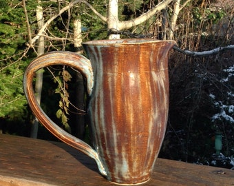 Blue/brown pitcher