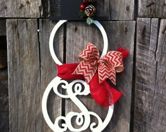 Winter wreath, christmas wreath, snowman wreath, snowmen monogram wreath, burlap bow, snowman door hanger, custom monogram wreath, gift