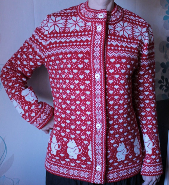 Moomin Knitting Pattern : Cardigan for adult with moomin pattern