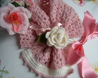 Scarf for little girl handmade crochet in pure wool with a decorative rose. Crochet girl, romantic and feminine fashion.
