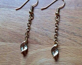 Minimalist matte gold leaf dangly earrings