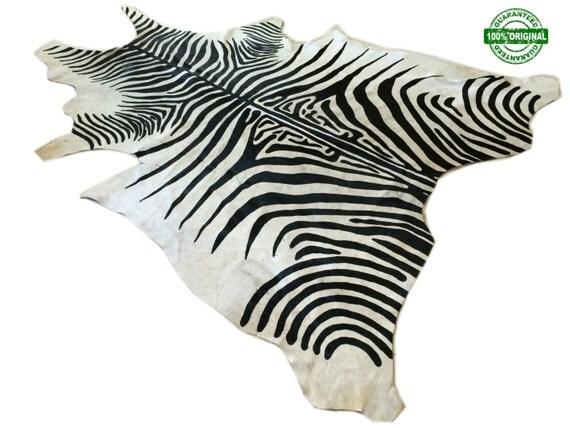 peau de vache tapis z bre noir blanc unique a328 de 76 x. Black Bedroom Furniture Sets. Home Design Ideas