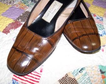 1950's Women's Vintage Brown Alligator Pattern Leather Shoe