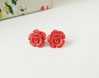 Red stud earrings, red rose studs, red rose earrings, red flower studs, red earrings, red studs, small rose studs, cute stud earrings